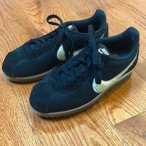 Nike Shoes - Nike Women's Classic Cortez, 6.5